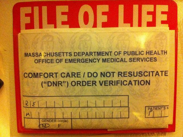 "A ""Do not Resuscitate"" order MOLST form."