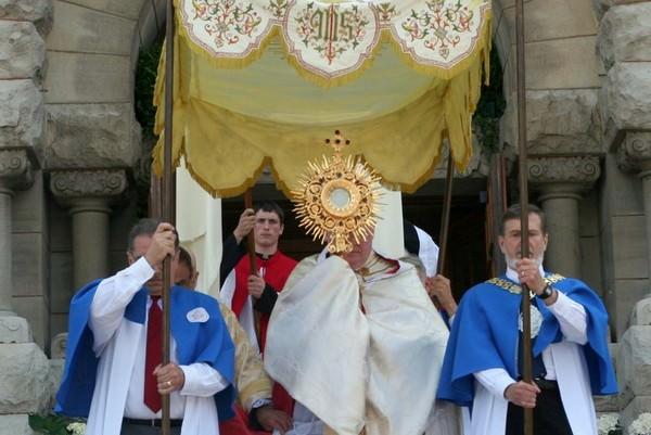 Corpus Christ 2009 from St. John Cantius Parish.